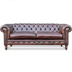 """Chesterfield Yorkshire Dit exclusieve model is onze Chesterfield Yorkshire, gemaakt met luxe Hand Dyed leather, een zeer sterk beuken frame. Dit zeer elegante Chesterfield model is een meubel uit het top sigment van onze """"Meester Vaklieden"""". Om dit model zeer exclusief te houden is deze standaard alleen leverbaar in het Hand Dyed leather. Dit leertype wordt met de hand ingekleurd en is vóór het stofferen volledig muisgrijs. De beschikbare kleuren zijn zichtbaar in onze showroom. Chesterfield Chair, Sofa, Couch, Accent Chairs, Furniture, Home Decor, Upholstered Chairs, Decoration Home, Room Decor"""