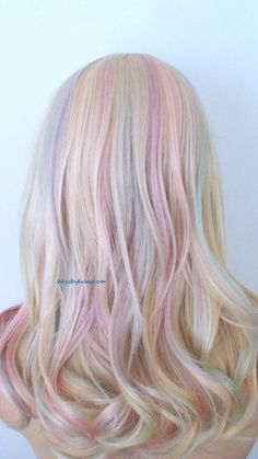 Ready to meet Tie-Dye hair? Get colorful hair with Tie-Dye hairstyle! We will not miss colored hair simply because winter has arrived! Among the colored hair . Pastel Wig, Pastel Pink Hair, Pastel Rainbow Hair, Lilac Hair, Tie Dye Hair, Dyed Hair, Pelo Multicolor, Hair Mascara, Rainbow Wig