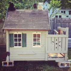 Chicken Coup Out Of Repurposed Playhouse | Bored Panda
