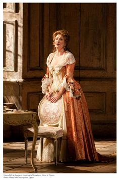 Emma Bell as Countess in Le Nozze di Figaro