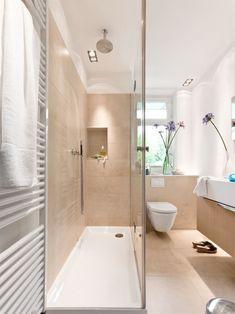Luxury bathroom on a small area - Bathroom Decor Ideas Diy Bathroom Remodel, Bathroom Renovations, Sala Grande, Basement Remodeling, Bathroom Interior Design, Home Decor Bedroom, Small Bathroom, Small Spaces, Jan Kurtz