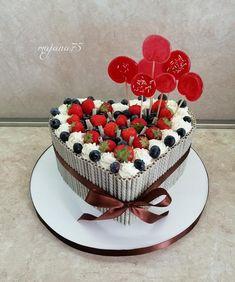 Heart Shaped Cakes, Heart Cakes, Cake Decorating Videos, Chocolate Hearts, Fancy Cakes, Happy Birthday Wishes, How To Make Cake, Cake Recipes, Birthday Cake