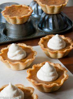 Pumpkin Pie Mini-Tarts | Salad in a Jar