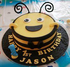 Buzz bee cake