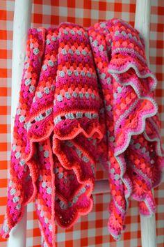 Color your life Manta Crochet, Crochet Mandala, Crochet Granny, Crochet Shawl, Knit Crochet, Kawaii Crochet, Cute Crochet, Crochet Hooks, Modern Crochet
