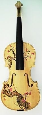 Such an amazing way to make a violin even more gorgeous!