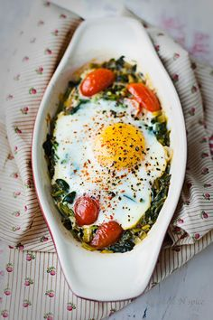 baked spinach, egg and tomato