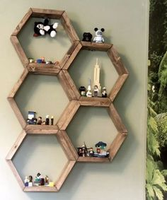 HomelySmart | 10 Stylish Shelves For You To DIY
