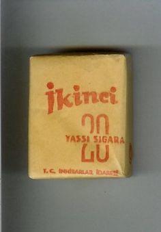 Geçmiş Sigaralarımız Vintage Cigarette Ads, Cigarette Brands, Old Advertisements, Advertising, Weird Pictures, Galaxy Wallpaper, New Job, Vintage Posters, Cigar Smoking
