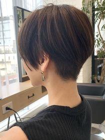 Asian Short Hair, Medium Short Hair, Medium Hair Styles, Short Curly Haircuts, Curly Hair Cuts, Short Hair Cuts, Tomboy Hairstyles, Hairstyles Haircuts, Androgynous Haircut