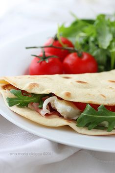 Easy piadina. A typical Italian flat bread, very easy to do, and sooo delicious, that can be filled with whatever you want.