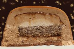 Fabulous praline log from Philippe Conticini thanks to Fou d . - Pastry World Fancy Desserts, Just Desserts, Best Cake Recipes, Favorite Recipes, Chefs, Glaze For Cake, Dessert Aux Fruits, Everyday Food, Food And Drink