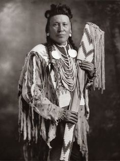 Blackfoot Indians | Blackfoot-Indian-photo-Moon Chief-1925