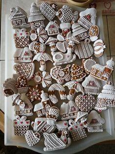 Cute Christmas Cookies, Christmas Cake Designs, Christmas Cookie Cutters, Christmas Sweets, Christmas Gingerbread, Pink Christmas, Christmas Baking, Christmas Crafts, Xmas