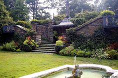 Gardens of Dumbarton Oaks (Washington, DC, USA) doaks.org (Photo by Passionvine http://en.wikipedia.org/wiki/File:Fountainterrace2b.jpg)