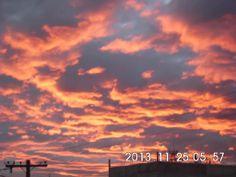 Gracias César Sinay por recordarnos que no sólo los #AtardeceresDeNoviembre son bonitos, sino sus amaneceres también  Foto tomada desde la zona 7 colonia San Martin este lunes.