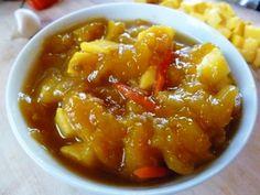De mango chutney  is heerlijk bij Hindoestaanse gerechten maar zeker ook bij een rijst met kip en groenten. Ik heb de variant met peper geschreven. Als je minder hete...