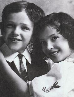 Adele Astaire (September 1896 – January and Fred Astaire (May 1899 – June Adele left show business in 1932 to become the wife of Lord Cavendish, the second son of the. Fred Astaire, Adele Astaire, Merle Oberon, Gene Kelly, Sean Penn, Catherine Deneuve, Classic Hollywood, In Hollywood, Hollywood Glamour