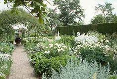 sissinghurst gardens england | ... Sissinghurst, considered by many to be the most famous garden in