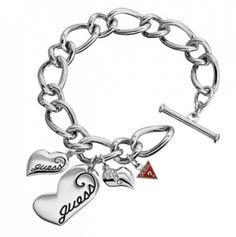Nydelig armbånd med hjerter fra Guess.  Modell: UBB80921  #guess #guessarmbånd #smykke #hjertesmykke