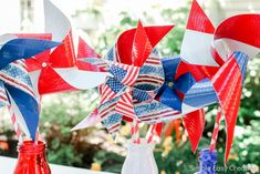 4th of July Table Decorations - Hoosier Homemade Fourth Of July Drinks, Fourth Of July Quotes, Fourth Of July Cakes, 4th Of July Party, 4th Of July Wreath, July 4th, Pinwheel Centerpiece, Paper Flower Centerpieces, Paper Flowers