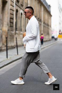 2014-08-31のファッションスナップ。着用アイテム・キーワードはサングラス, ジャケット, スニーカー, パンツ,アディダス(adidas)etc. 理想の着こなし・コーディネートがきっとここに。| No:55458