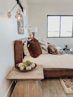 Home Decor Trends - Checkout these popular new ideas for kitchens, bedrooms, living rooms, and bathrooms! See the latest interior designs and decor for any decorating style. Throw pillows are #19 on the list! #joyfullygrowingblog #interiordesign #homedecor