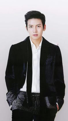 JCW ♡♡♡<<< I don't have any idea who he is but hell sure he is a beautiful man!