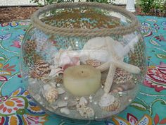 Sea Shell Centerpiece Up Dated Diy Arts And Crafts, Crafts To Make, Fun Crafts, Beach Crafts, Tropical Decor, Coastal Decor, Seaside Decor, Seashell Centerpieces, Table Centerpieces