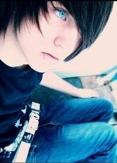 """Ok ok ok so I'm writing a book and there's is an emo guy in it, (Alec Tristian) and I really wanted a visual, so I google searched """"hot emo boy"""". I found this pic and started freaking out because it is EXACTLY as I imagined Alec (just add blue bangs). And now, about 2 months later, I find this on Pinterest and find out his name is Alex Evans. Anyone know anything about him?"""