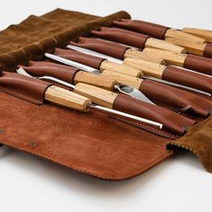 Leather Roll, Leather Cover, Leather Tooling, Best Wood Carving Tools, Wood Carving Chisels, Wood Chisel, Woodworking Supplies, Woodworking Essentials, Woodworking Projects