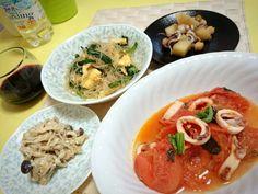 ◇イカとトマトのバジル炒め◇きのこの白和え◇春雨とニラ玉◇じゃがいものイカわた煮