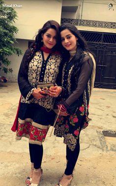 The Beautiful twin sisters & wishing u a very happy Eid Mubarak ❤ P. Khadi Kurta, Kurti, Pakistani Formal Dresses, Short Frocks, Aiman Khan, Desi Clothes, Pakistani Actress, Girls Dpz, Indian Fashion