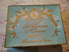 RARE couronne de mariée , fleurs en cire , boite d origine !