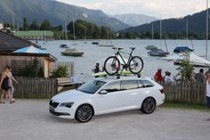 The new ŠKODA Superb Combi: racy spacious giant full of elegance and dynamics #newsuperbcombi #skoda