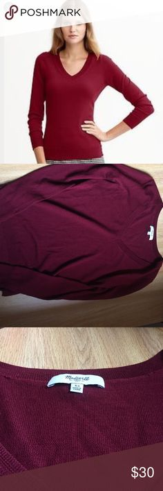 Madewell Burgundy V Neck Sweater V neck sweater Merino wool Burgundy red color Size extra small Ribbed hems Madewell Sweaters V-Necks