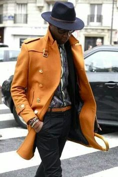 Streetstyle fashion week homme paris automne hiver Well dressed men make me swoon. Fashion Business, Business Mode, Gentleman Mode, Gentleman Style, Sharp Dressed Man, Well Dressed Men, Coat Dress, Men Dress, Dress Pants