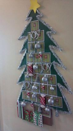 DIY Advent Calendar via @myfourmonkeys.com #GluenGlitter