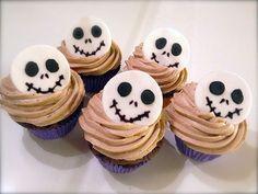 Tips på halloweenmat för barn som både är läskigt god och rysligt rolig att äta.