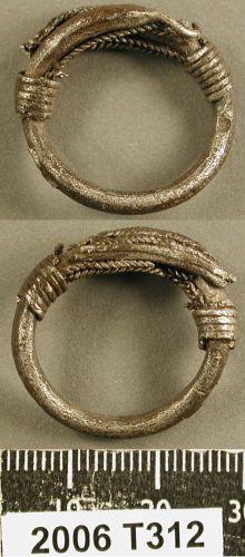 Label: Viking finger ring, silver Broadperiod: ROMAN County: NORTH YORKSHIRE Filesize: 989.71 KB Copyright: British Museum License: Attribution-ShareAlike License