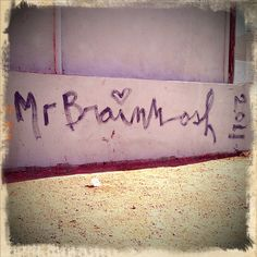 Mr. Brainwash tag on La Brea