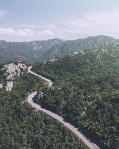 И снова в путь сегодня мы держим курс на Дубровник. #dobrotskitrip это сплошное добро;)  #skypixel #aerialphotography #dronestagram #dronelife #dronegear #montenegro by elivosk