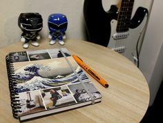 Mein selbst zusammengestellter Taschenkalender für 2017, meine Power Ranger Funko Pop Figuren und meine Gitarre.