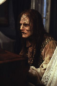 INTERVIEW WITH THE VAMPIRE ‹ Michele Burke / Lestat (Tom Cruise), playing piano