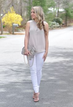 White and Blush | www.missbethanykate.com