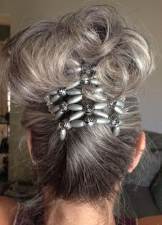 I want one of these hair thingies. This is so pretty.