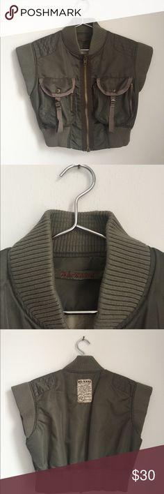 Da Nang sleeveless mini bombers Jacket. Kaki Da Nang sleeveless mini bombers Jacket. Kaki DA NANG Jackets & Coats Utility Jackets