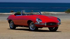 1966 Jaguar E-Type Series 1 Roadster 4.2/265 HP, 5-Speed presented as lot S30 at Monterey, CA 2015 - image12