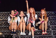 blackpink, lisa, and rose resmi Kpop Girl Groups, Korean Girl Groups, Kpop Girls, Kim Jennie, Forever Young, Yg Entertainment, Square Two, K Pop, Black Pink Kpop