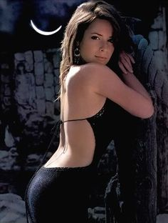 Fakes charmed holly marie combs